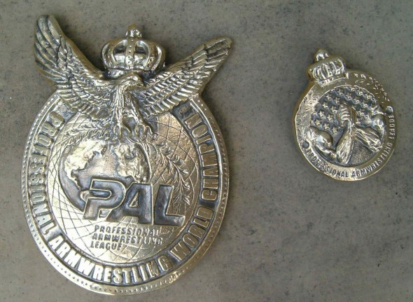 Medal z Mosiądzu Armwrestling